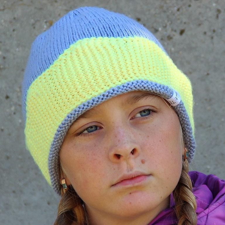 модные вязаные теплые шапки спицами ручной работы